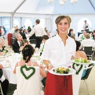 Hochzeitsessen im VIP-Zelt