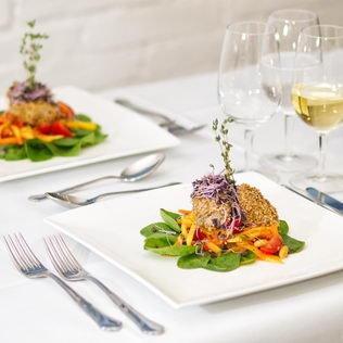 Grillierter Thunfisch im Sesammantel